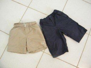 short beige / Pantacourt bleu marine 5 ans